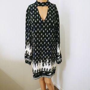 NWT Wayf Collar Dress with Deep V Neckline